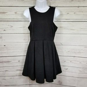 DEPHIL sleeveless pleated little black dress M